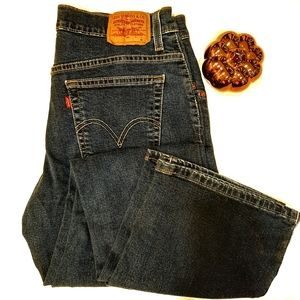 """Levis relaxed bootcut midrise medium wash 32""""x31"""""""